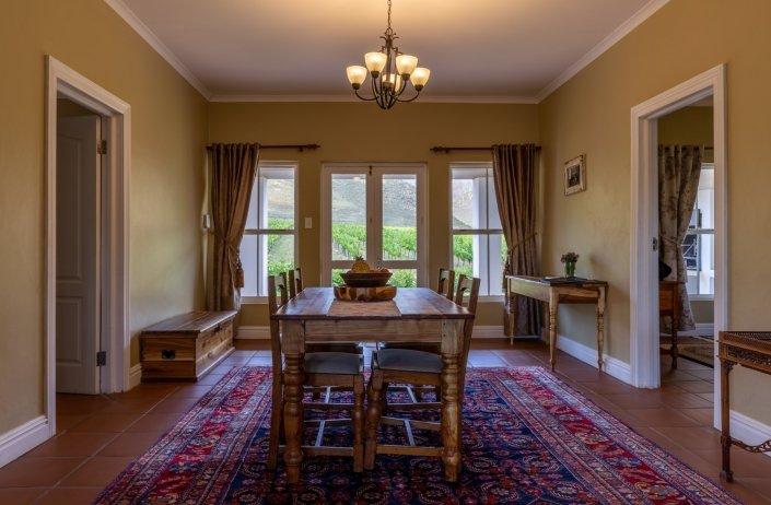 robertson accommodation